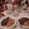 Pizza , steak frites et saint honoré !!! Mon papa m'a tant gâté !!!
