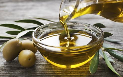 "Illustration : ""Peut-on donner des olives et de l'huile d'olive à manger à son chat ?"""