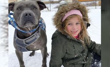 """Illustration : """"La fille d'un policier décédé récemment honore sa mémoire en sponsorisant l'adoption d'un chien « non-adoptable »"""""""