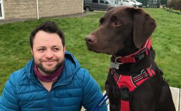 """Illustration : """"Ce vétéran de l'armée traumatisé avait perdu le goût à la vie, jusqu'à sa rencontre décisive avec une chienne"""""""